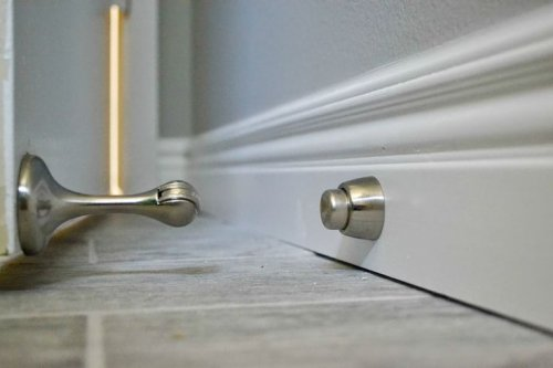 20 Overviews of the different types of decorative door stops