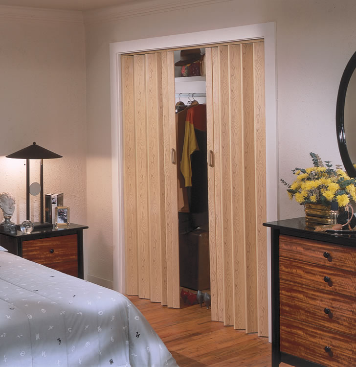 22 Accordian Doors Ease And Beauty Interior Amp Exterior Ideas