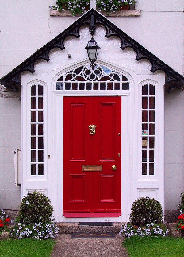 10 Colours to enhance your front entry doors