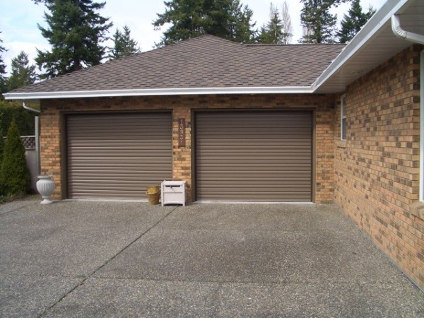 residential roll up garage doors 1
