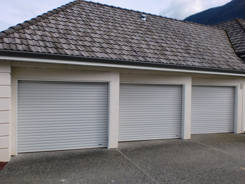 Aluminum garage doors residential - 10 Crucial Things To Know When Looking For Roll Up Garage
