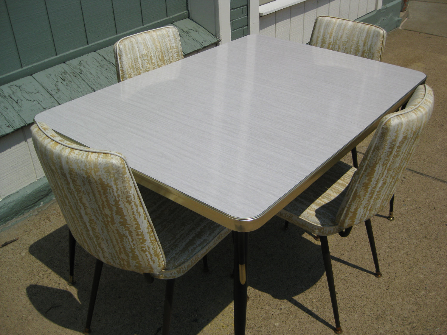 1950's retro kitchen table chairs - bringing back classic new york