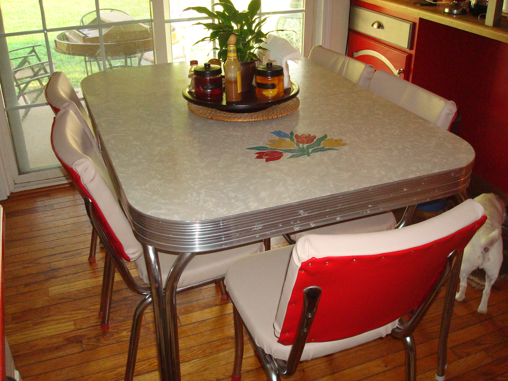 1950 s retro kitchen table chairs bringing back classic for Black kitchen table set