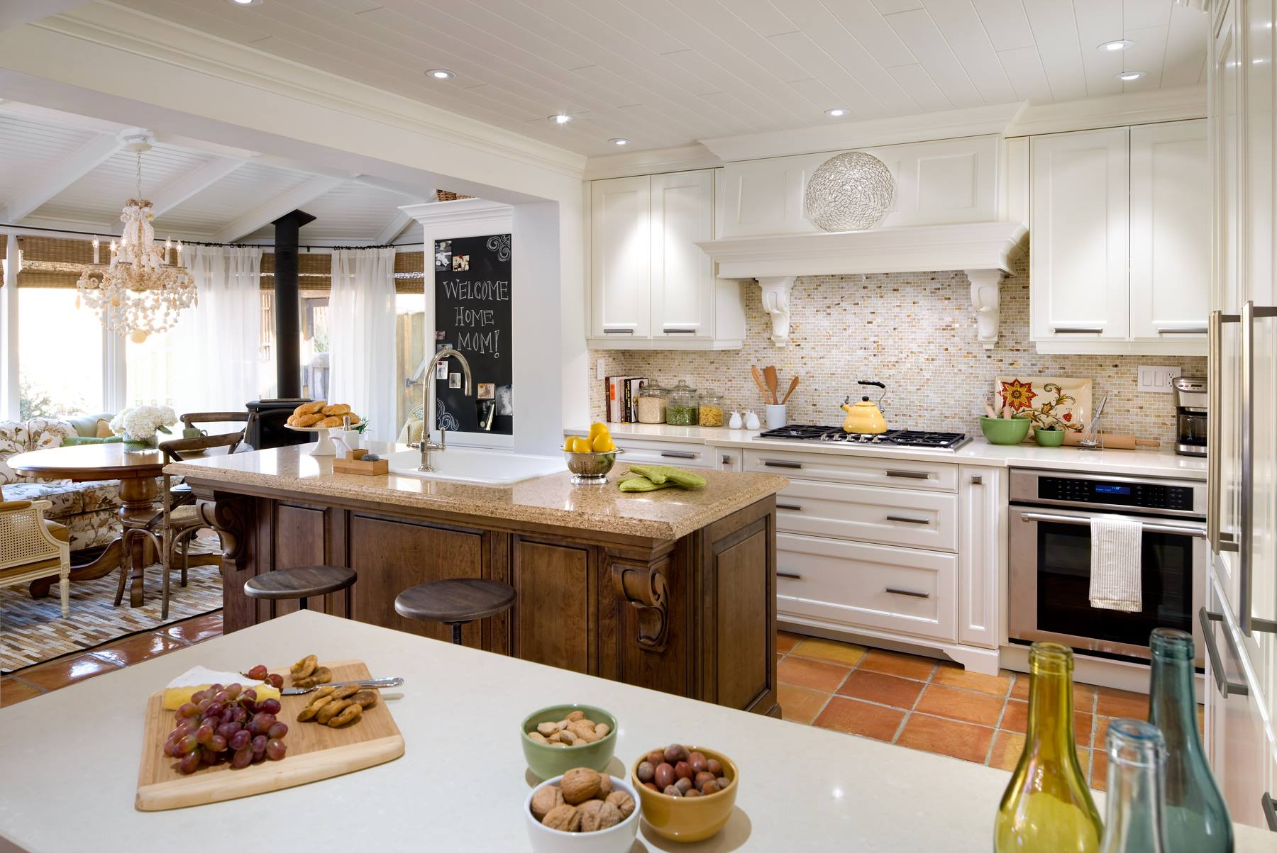 Dining delightfully in Candice olson favorite kitchens ...