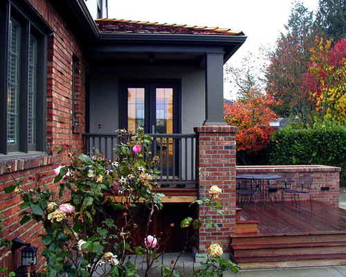 exterior-paint-colors-with-red-brick-photo-12