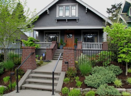 exterior-paint-colors-with-red-brick-photo-18