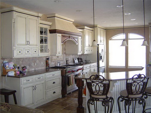 french-country-kitchen-cabinets-design-photo-17