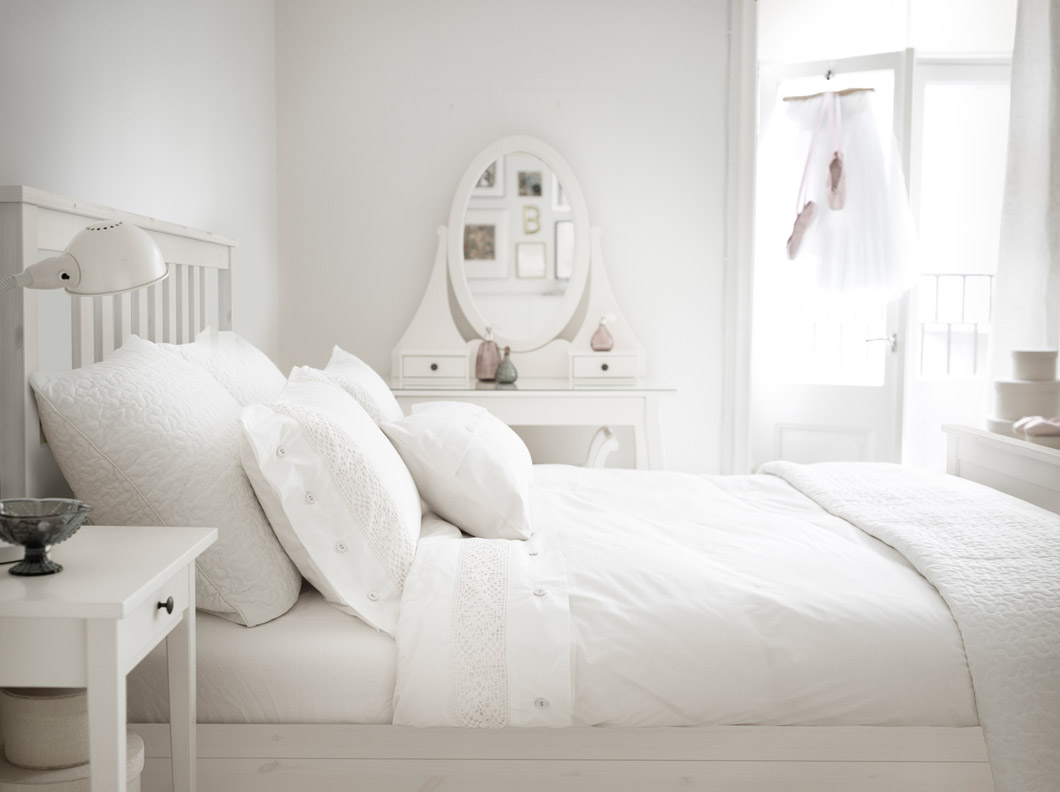 Why you should invest in a set of ikea white hemnes for White bed set furniture