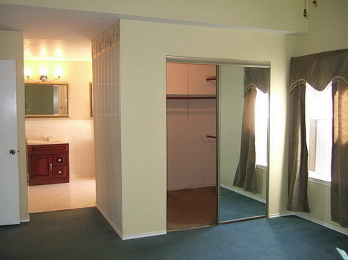 interior-sliding-mirror-doors-photo-11