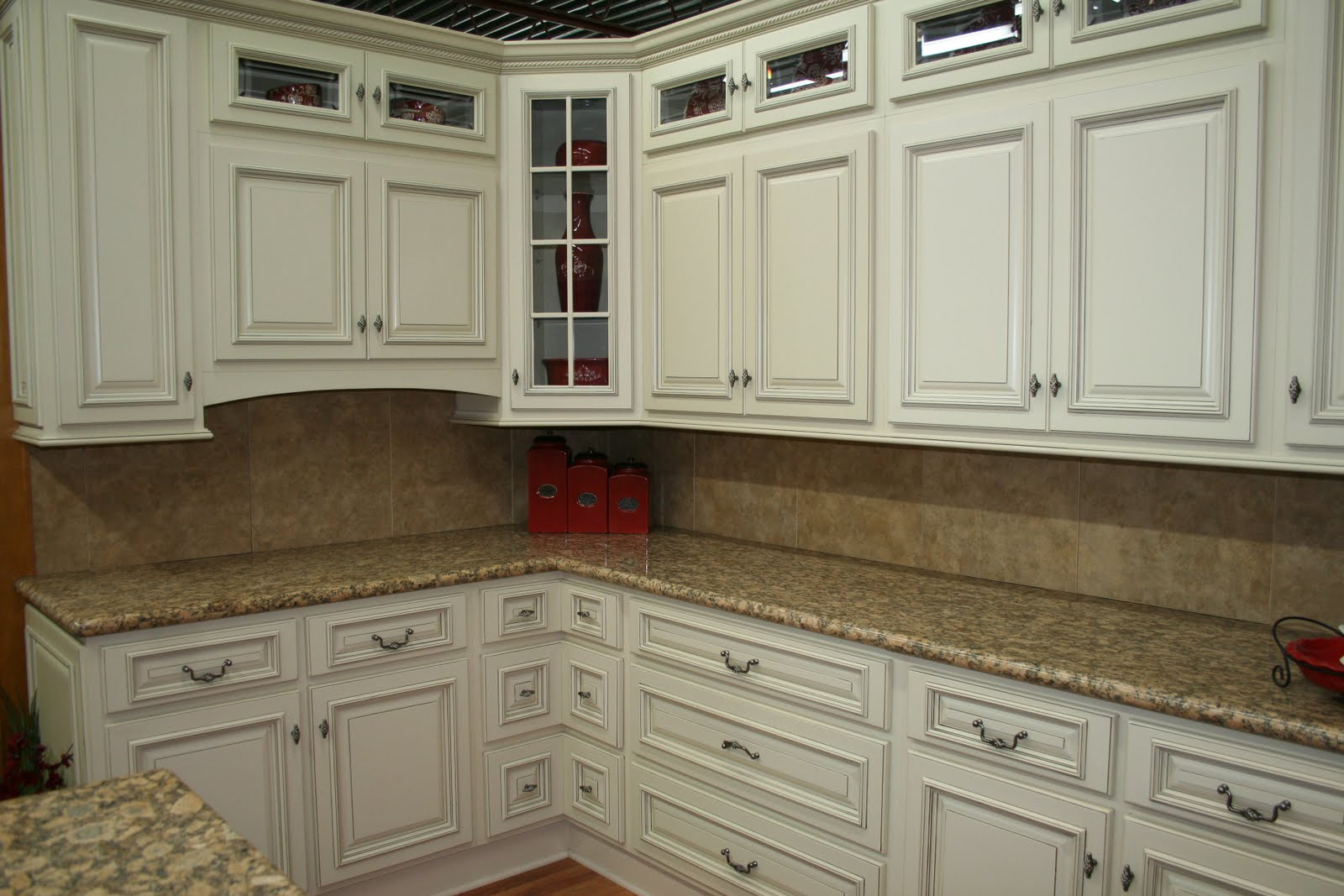 Refinish kitchen cabinets antique white roselawnlutheran for Refinishing old kitchen cabinets