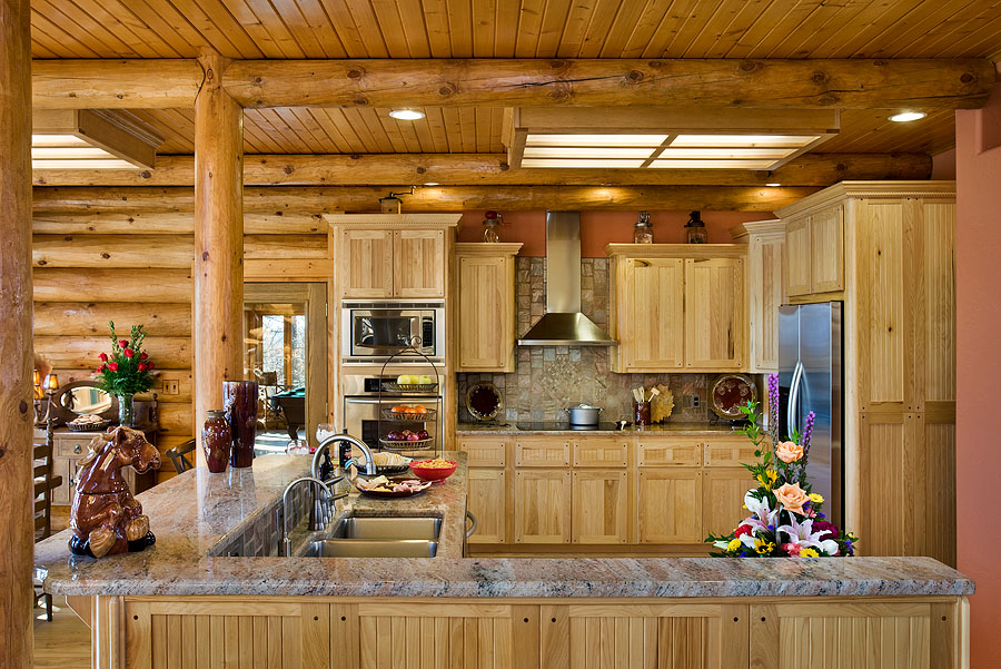 Kitchen design ideas for log homes 15 things to for Log home kitchen designs