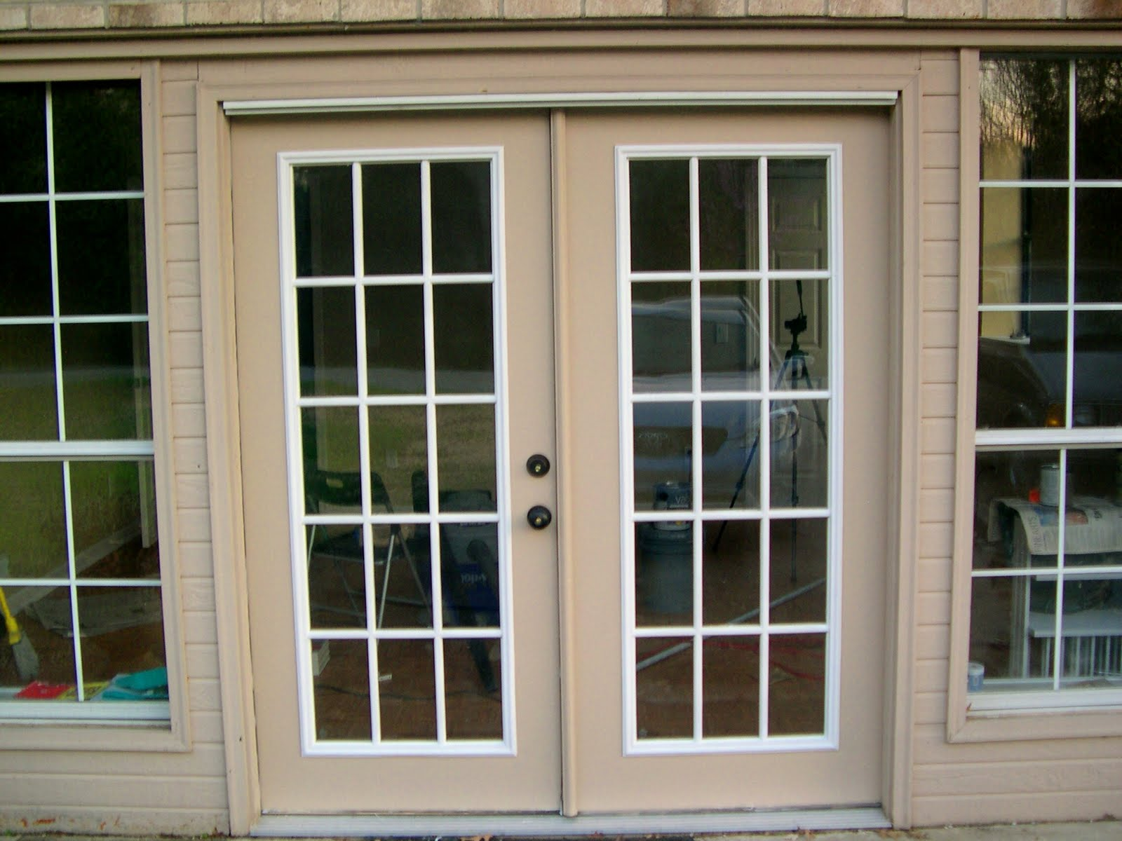 Lowes double french doors exterior 10 reasons to install for Main door with french window