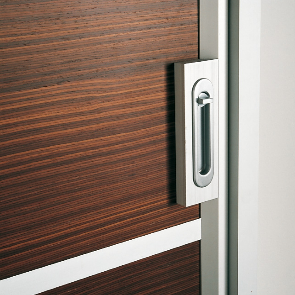 Mirrored sliding closet door lock 22 secrets you for Sliding doors