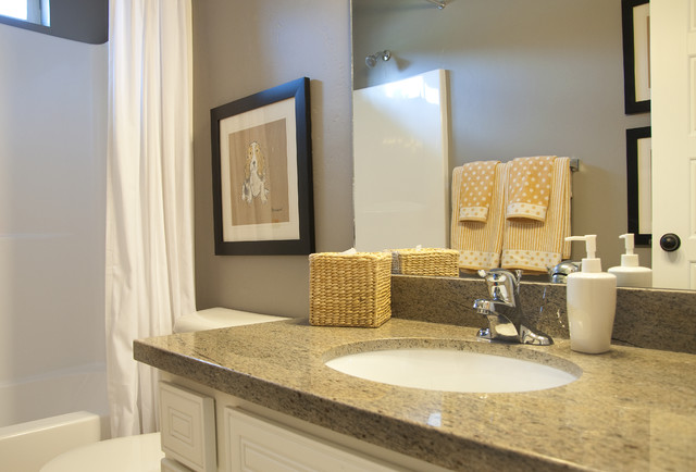 Model home bathroom pictures 17 varities of looking your for Bathroom models images