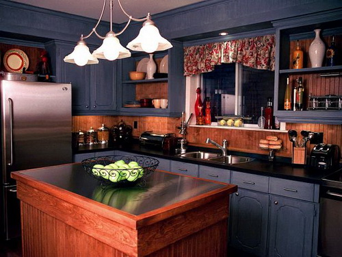 Painting-kitchen-cabinets-good-idea-photo-8