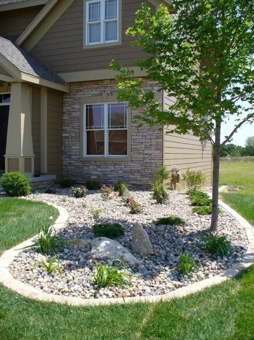 The dry stream - river rock garden edging ideas | Interior ...
