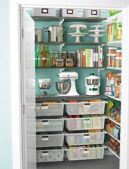 small-kitchen-open-pantry-photo-6