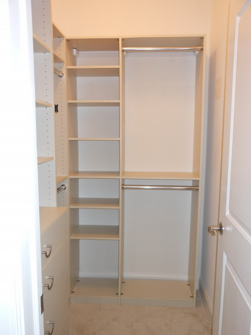 Small-walk-in-closet-design-layout-photo-5