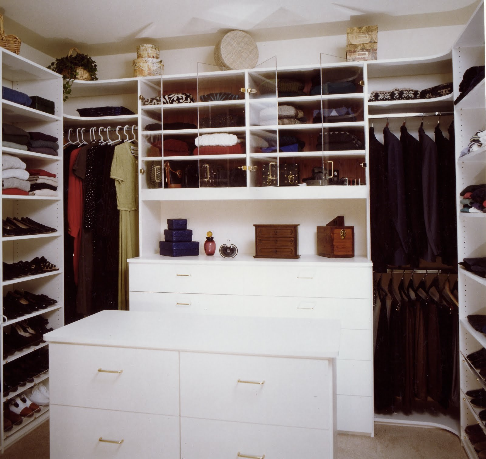 Walk in closet and bathroom ideas 15 ways to make your Closet layout ideas