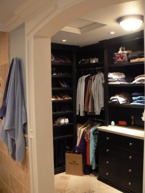 walk-in-closet-and-bathroom-ideas-photo-15