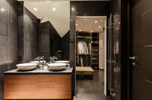 Walk-in-closet-and-bathroom-ideas-photo-7