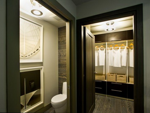 Walk-in-closet-and-bathroom-ideas-photo-9