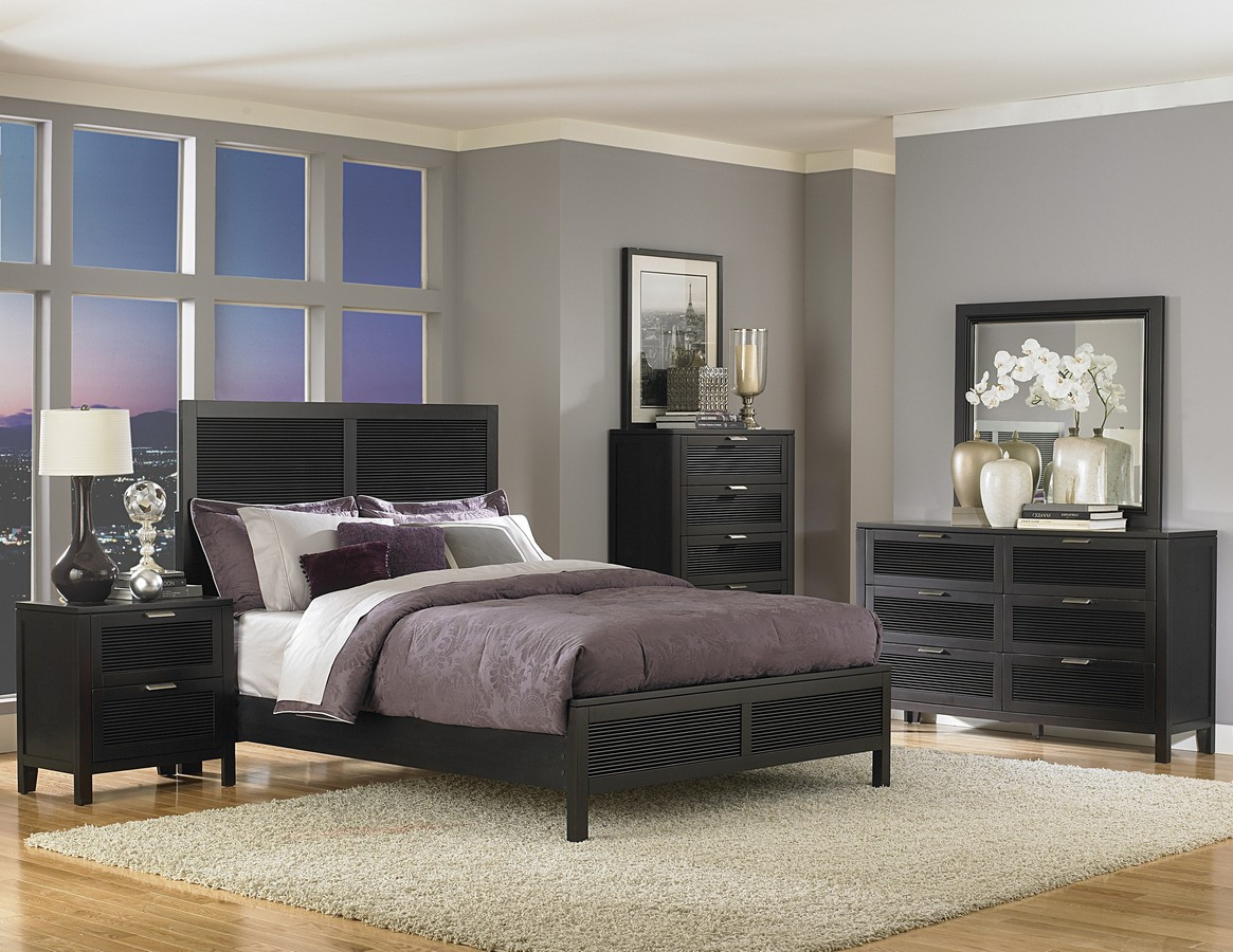 your bedroom with the stylish black lacquer bedroom furniture sets