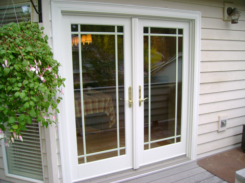 20 reasons to install french doors exterior andersen for Outside french doors