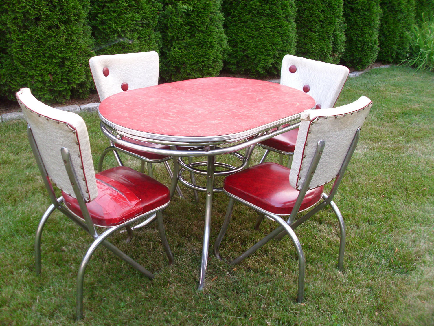 Red retro kitchen table chairs When Red Be e A