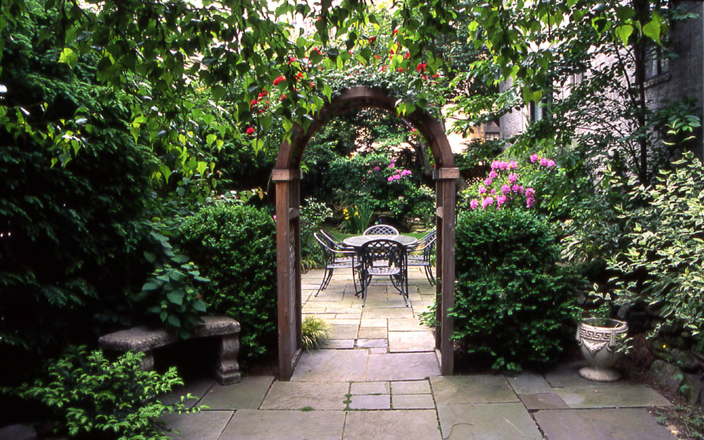 Victorian garden design ideas the new technology of for Outside garden design