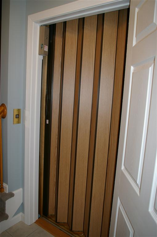 Accordian doors interior exterior ideas for Accordion doors