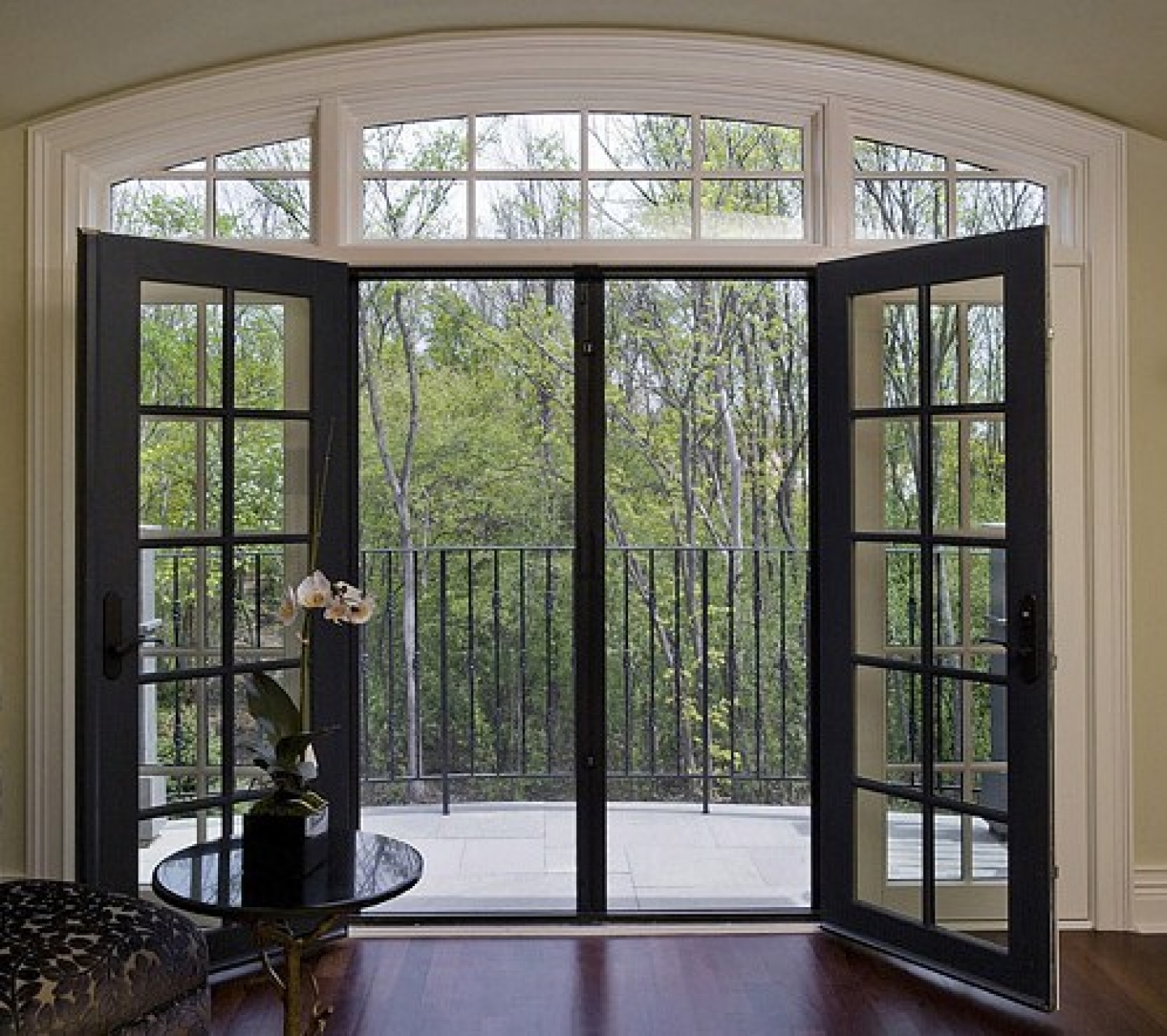 20 reasons to install french doors exterior andersen for Main door with french window