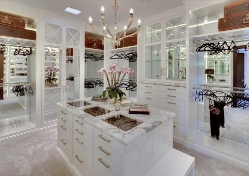 huge-walk-in-closet-home-photo-11