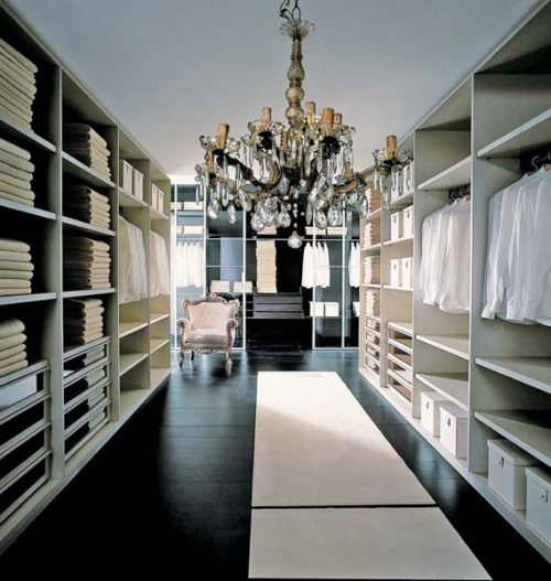 huge-walk-in-closet-home-photo-14