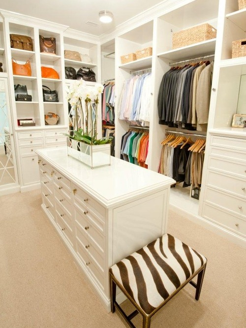 huge-walk-in-closet-home-photo-16