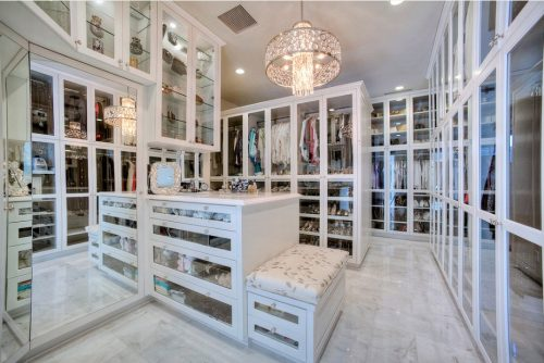 huge-walk-in-closet-home-photo-18
