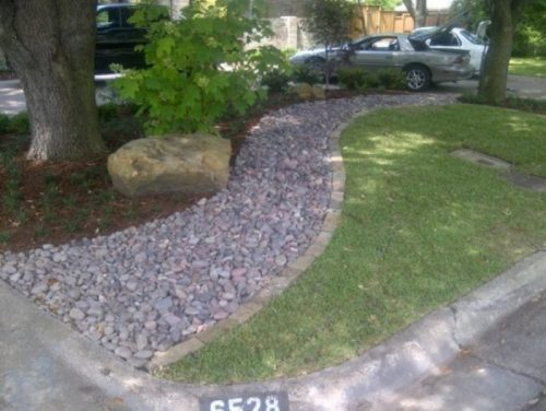 river-rock-garden-edging-photo-12