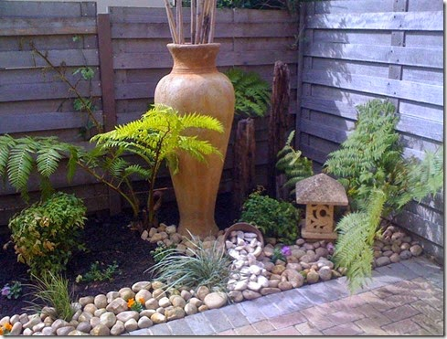 river-rock-garden-edging-photo-13