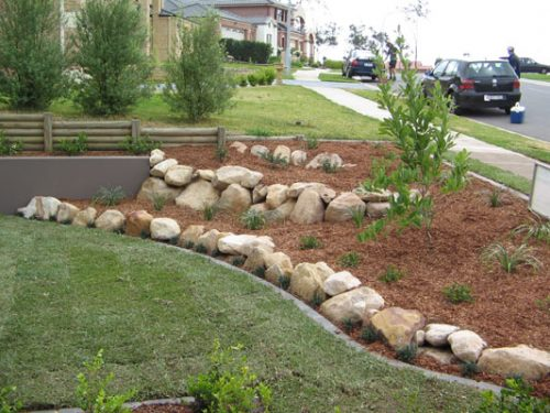 river-rock-garden-edging-photo-17