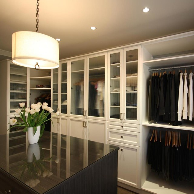 Handsome walk in closets for master bedrooms for Bedroom closets designs