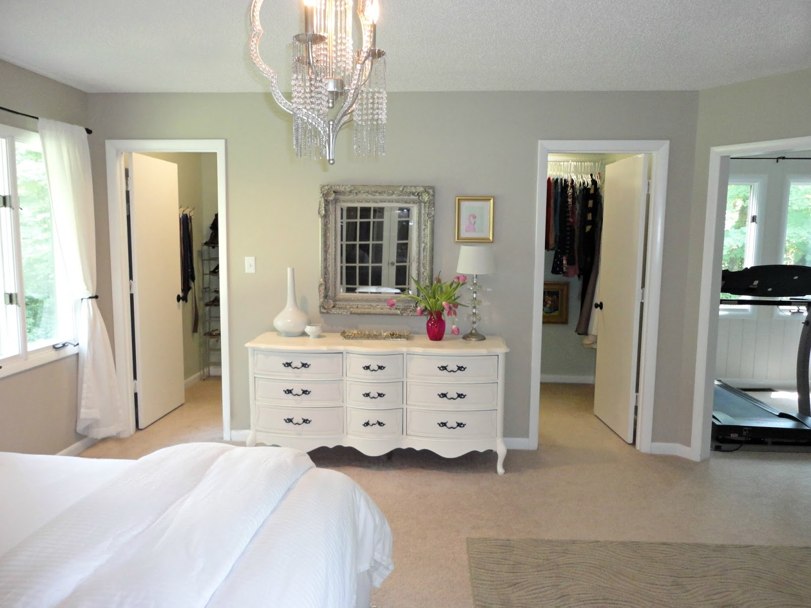 Walk in closet designs for a master bedroom a unique for Bedroom with bathroom design