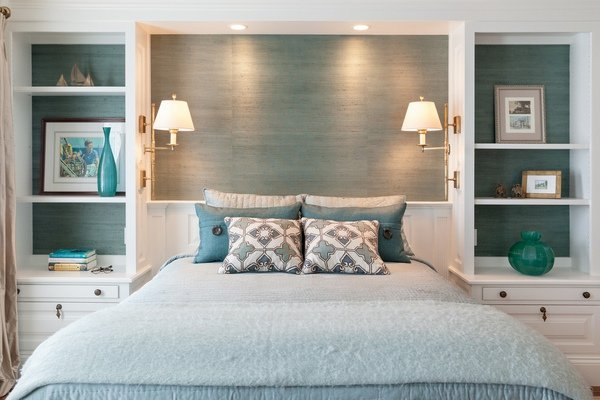 Cohesively decorated mismatched bedroom furniture ideas | Interior ...