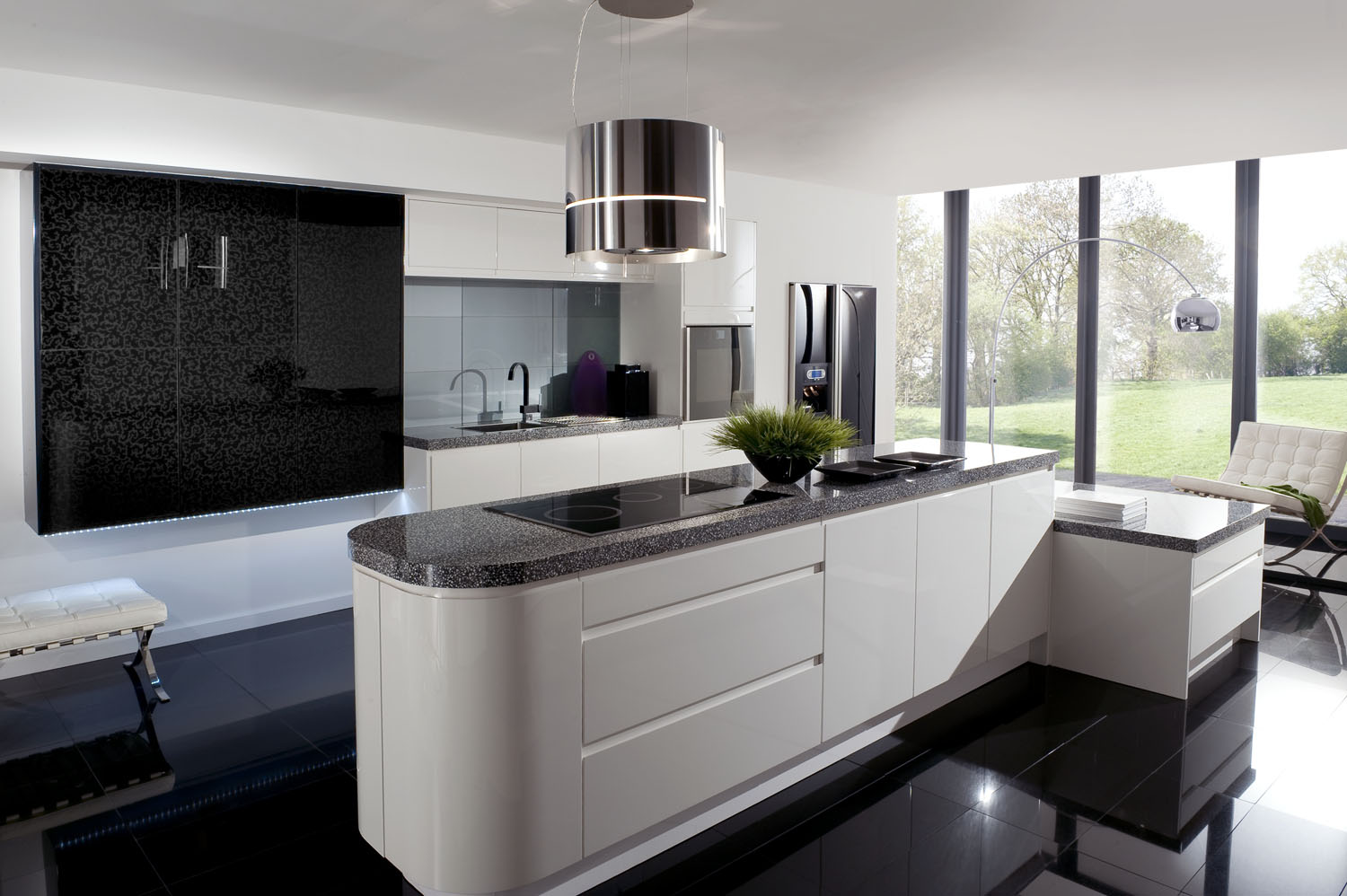 Black and White Kitchen Interior photo - 1