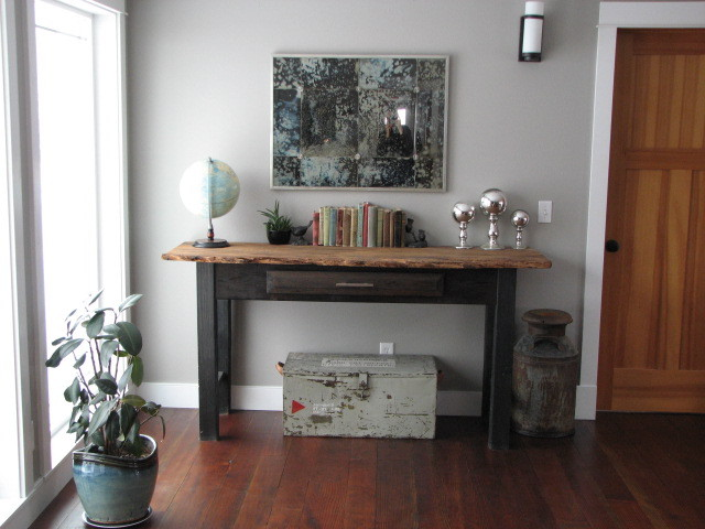 Console Tables Are Perfect For Placing In Any Room photo - 5