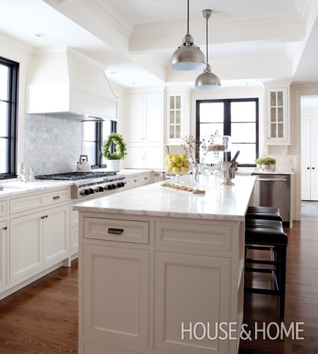 French Contemporary Kitchen photo - 2