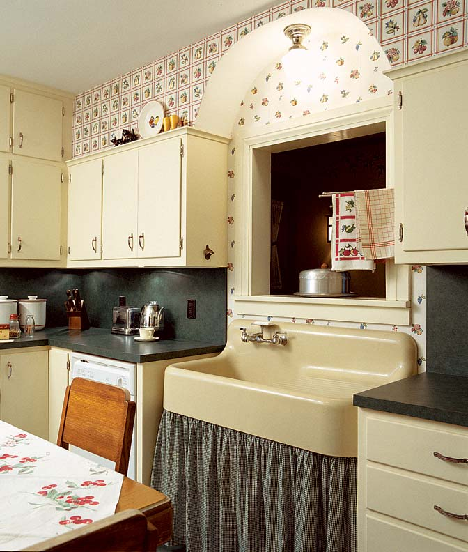 Kitchen with Wildflowers Wallpaper photo - 1