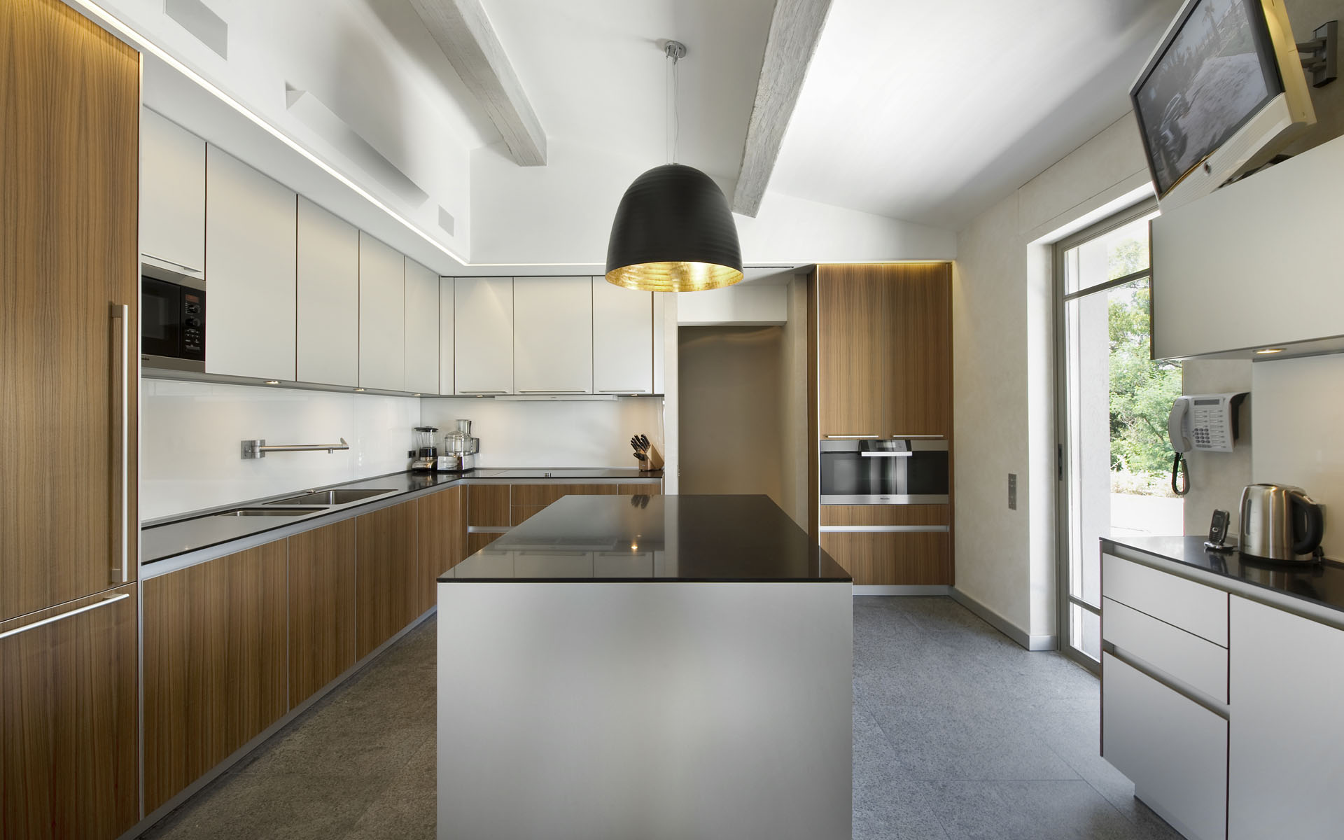 Minimalistic Kitchen Interior photo - 1