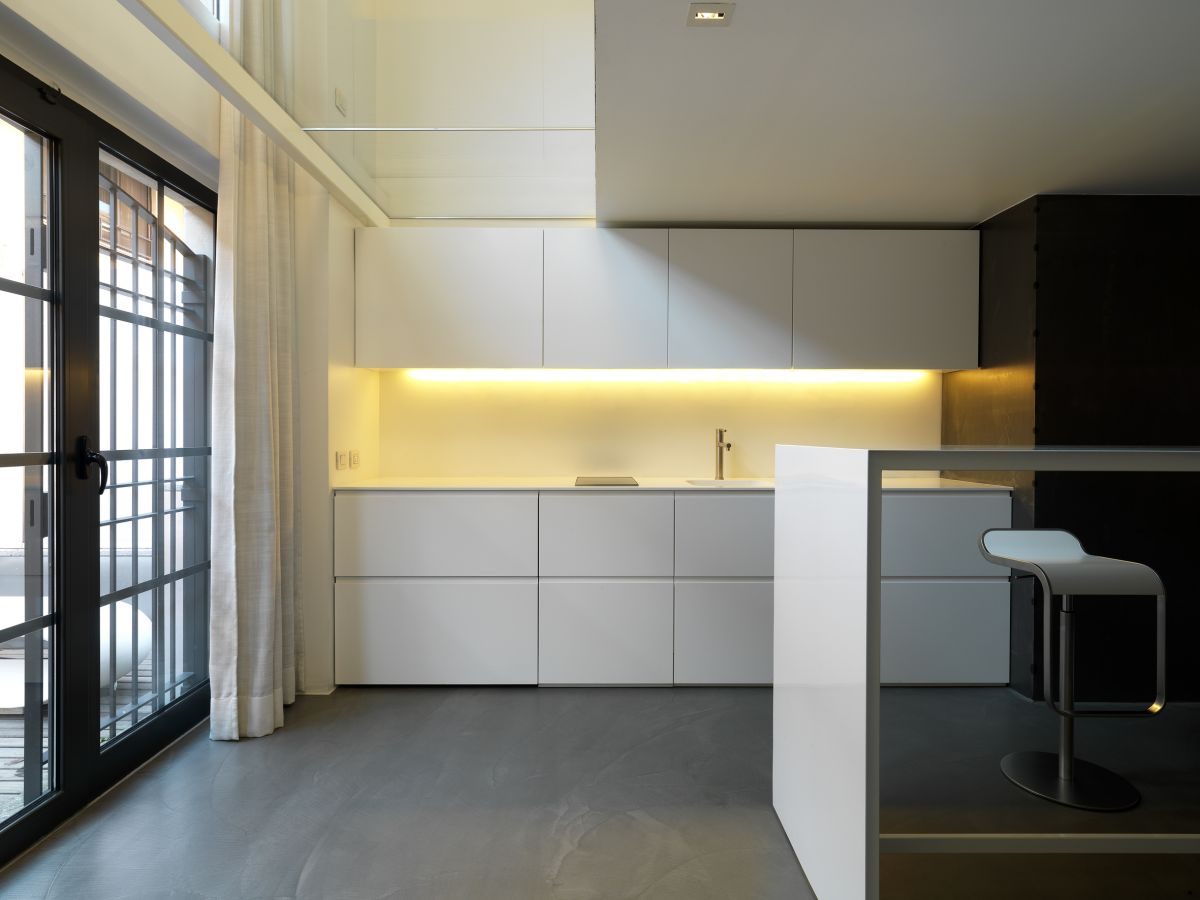 Minimalistic Kitchen Interior photo - 2