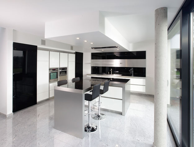 Modern Black and White Kitchen photo - 1