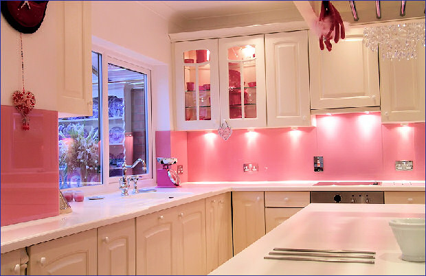 Pink girly kitchen wallpaper photo - 5